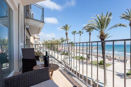 Sea front, terrace with views - Sitges - Wohnung