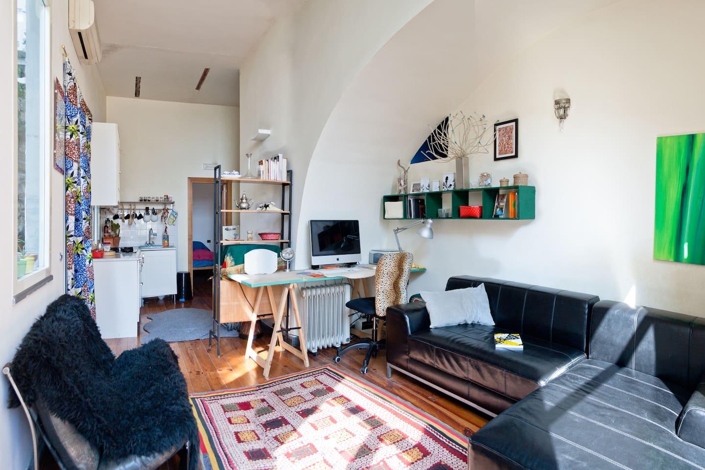 unique spacious flat with GARDEN