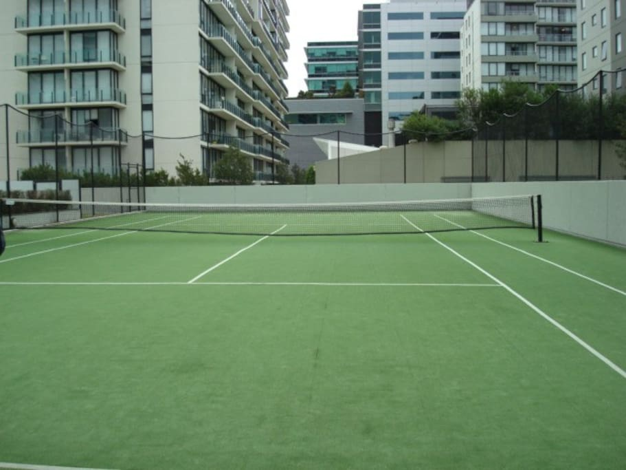 Free use of Tennis Court just for this building.