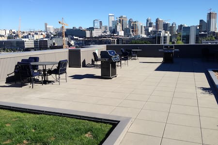 Modern Apartment Centrally Located!