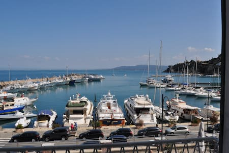 Charming Apartment Waterfront - Porto Santo Stefano - Apartment