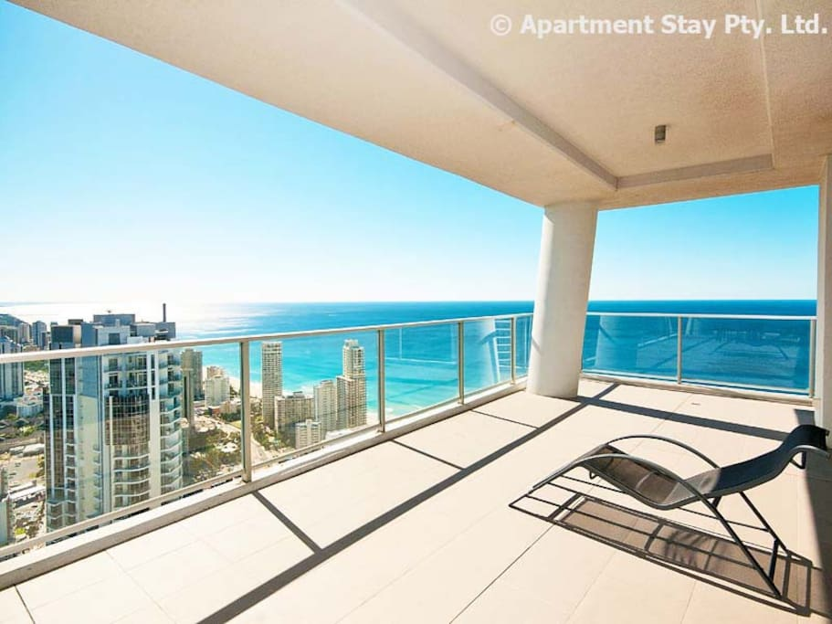 Circle on Cavill Huge Level 53 SubPenthouse, with 270 degree Ocean, River and Hinterland views.