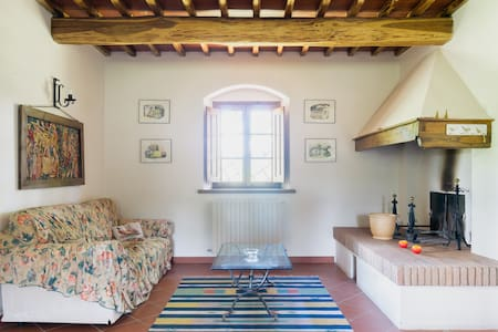 Restored farmhouse in Tuscany - House