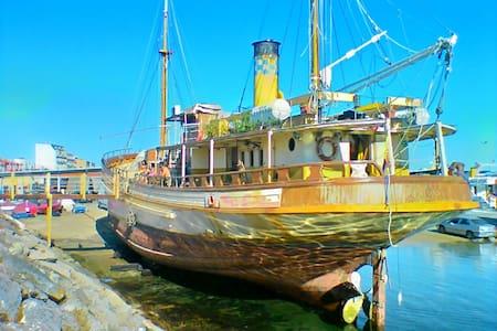 Camarote privado 2 plazas. Hidria 2 - Boat