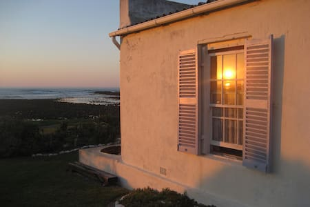 Southermost B&B – historic home on the ocean front - L'Agulhas - Bed & Breakfast