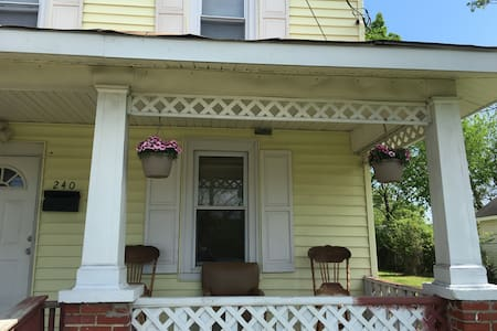 Daily or Monthly Room To Rent - Newport News