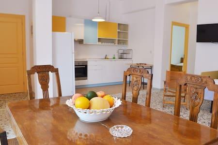 """""""Luxurious Gold"""" Spacious Vacation Apartment - Apartmen"""