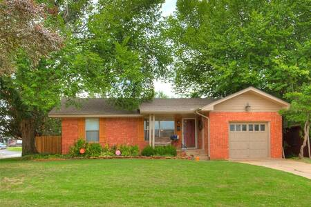 MCM house in the heart of OKC - Oklahoma City