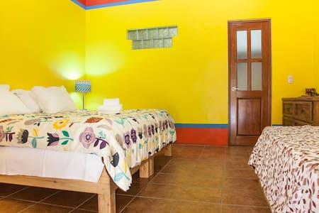 B&B Casa Juarez camera gialla - La Paz - Bed & Breakfast
