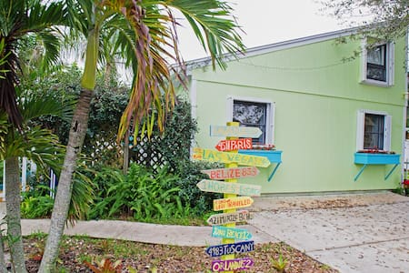 Tropical 1BR Hobe Sound Cottage - House
