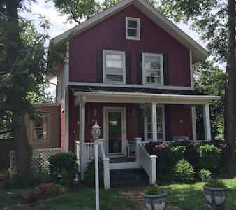 Historic Home near Old Hickory Lake - Nashville