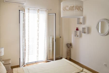Great bargain for 4 people! Athens at hand !! - Athina - Apartment