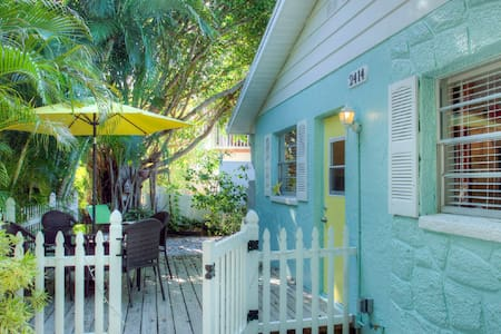 Anna Maria Island Beach Villa(East) - Bradenton Beach - Willa
