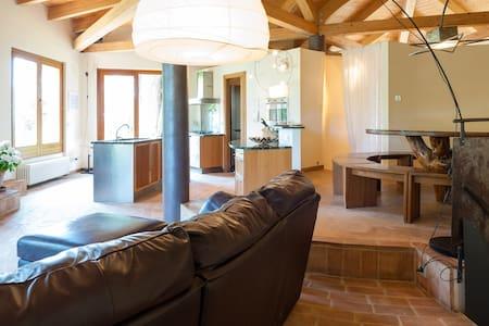 VILLA con piscina e giardino  - Villaggio Taunus - Villa