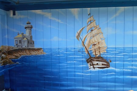 Mural cabin on the coast - Coos Bay - Cabana
