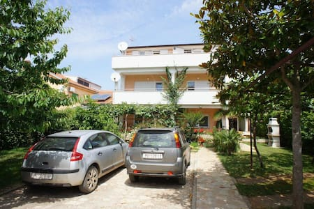 Rooms by the sea in Medulin - Medolino