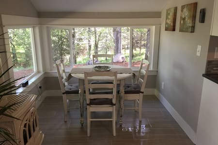 Romantic upscale cabin in the woods - Mosier - Cabaña