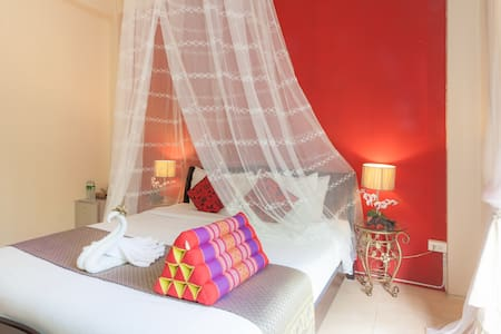 Elcidium Boutique Guesthouse Room1 - Mueang Phuket - Bed & Breakfast