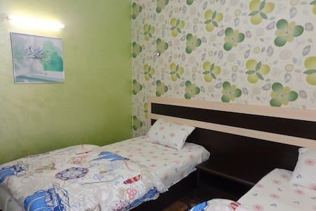 квартира с двумя спальнями - Худжанд