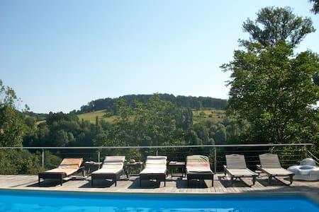 Périgourdine ensoleillée piscine - Thenon