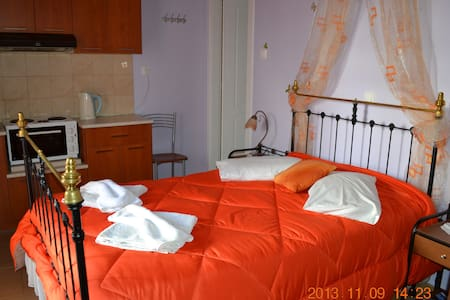 Δωμάτια Ερμούπολη / Hermoupoli Rooms - Ermoupoli - Domek gościnny