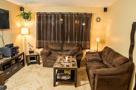 Large private room in Victoria - Victoria - Huis