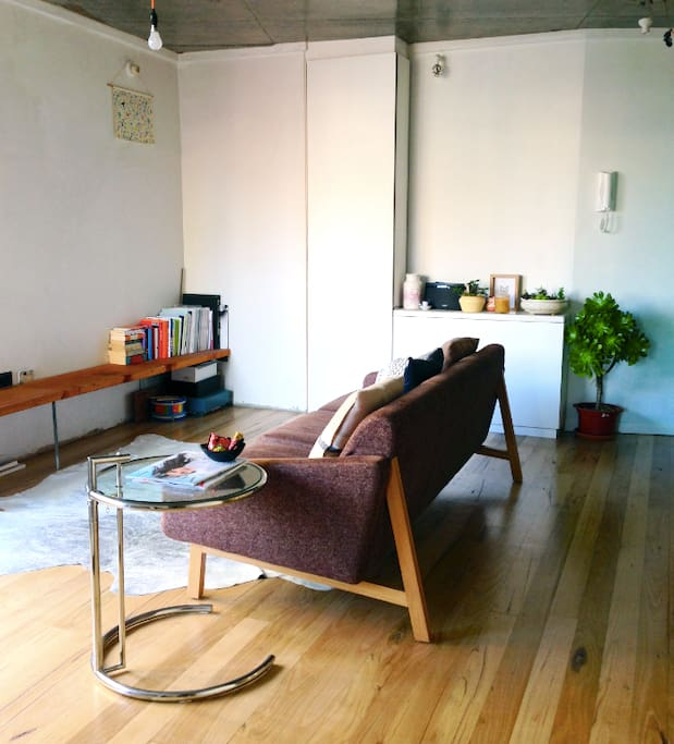 Hip + Central 1 bdrm Apt, Melb CBD