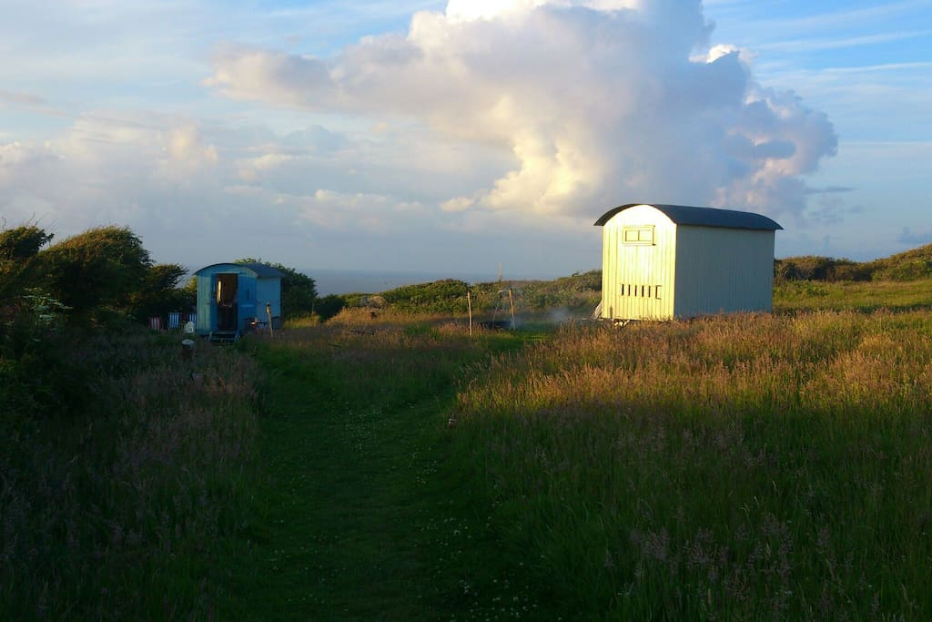 St. Ives Shepherd Huts (Glamping)