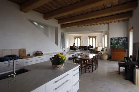 Elegant stone casa 1 hour from Rome - Guardea - House