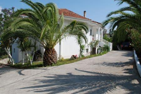 Ländliche Villa mit Meeresblick - Preveza - Huis