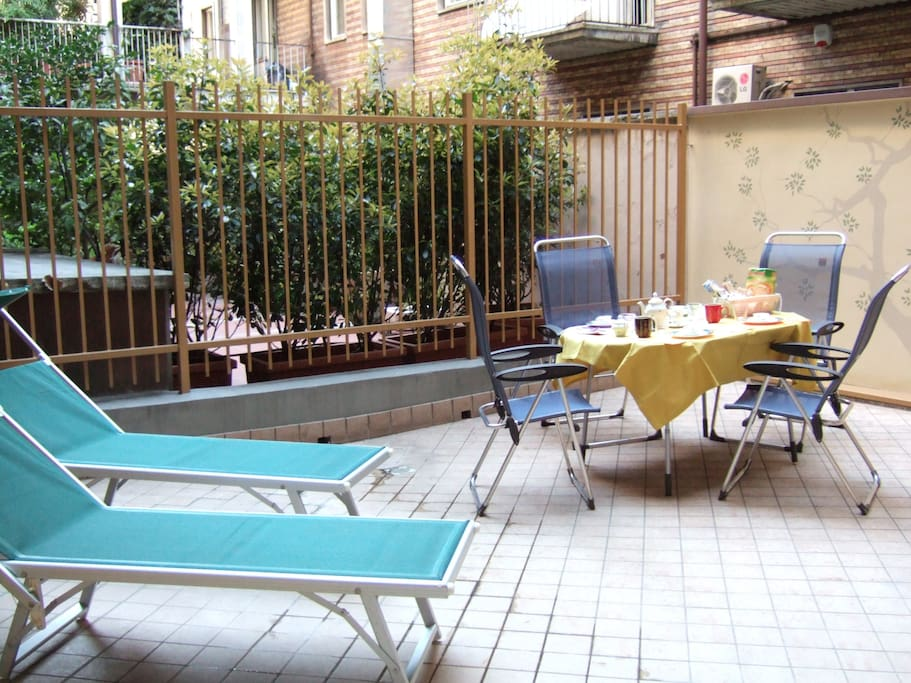 the patio (40 square meters)