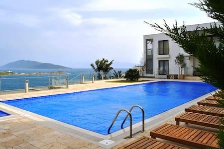 Beach Villa Tuna 696