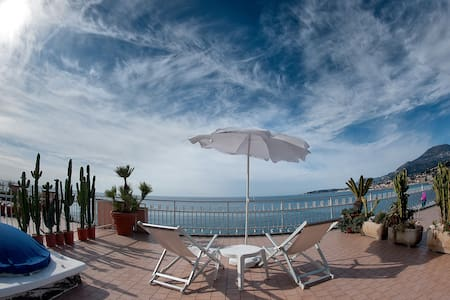 Seafront, Italian/French riviera - Ventimiglia - Apartment