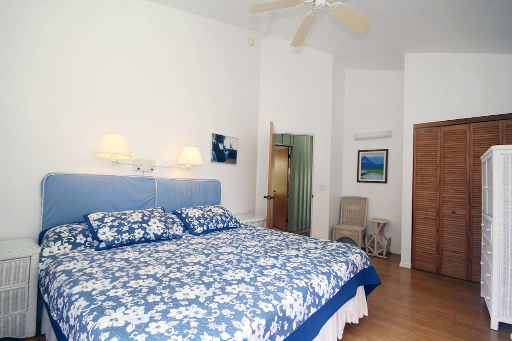 'Ekolu Room #3