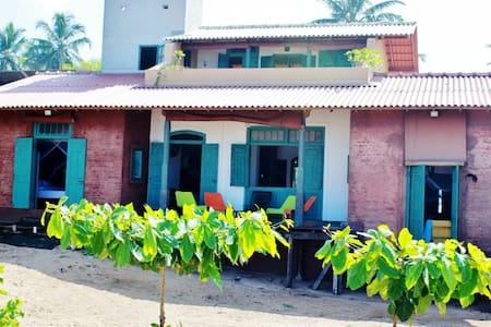 Beach Villa in Balapitiya - Villa