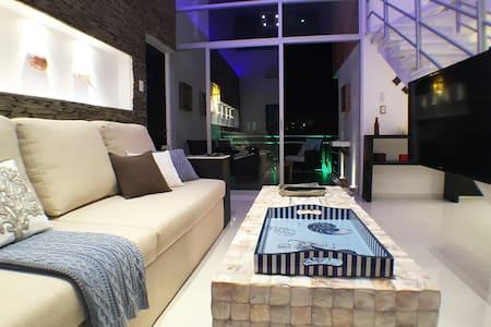 Designer Luxury Condo Near the Beach - Cancún - Apartment