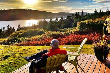 Inn on Capelin Bay - Bed & Breakfast