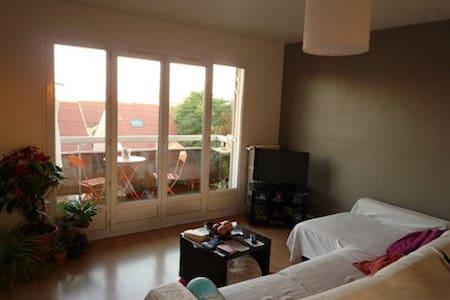 Chambre meublée - Apartment