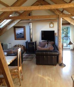 Bright and airy attic apartment - Apartment