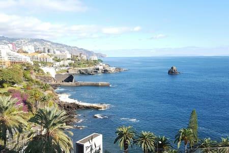Apartamento no Funchal vista mar - Lejlighed