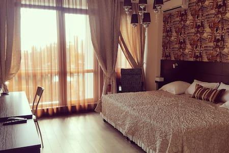 Luxury Apartment 300 метров от моря - Gelendzhik - Wohnung