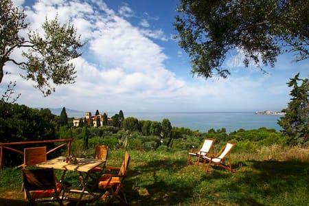 Apt Bengodi Azzurro - sea view - Maison