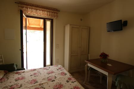 Room type: Private room Property type: Bed & Breakfast Accommodates: 2 Bedrooms: 1