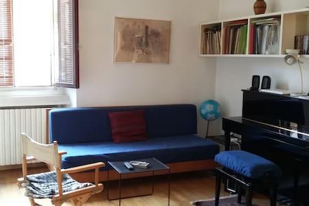 Grazioso appartamento in zona Famagosta - Milán