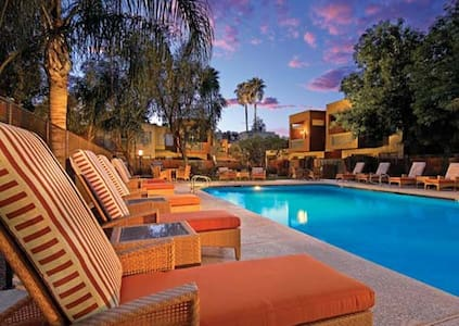 Luxury Condo in Heart of Scottsdale