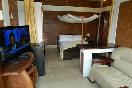 Luxurious Studio (by Gombe) - Kinshasa - Apartment