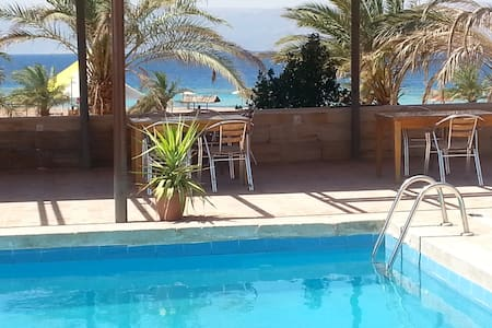 2-Bed Room on Aqaba South Beach - Bed & Breakfast