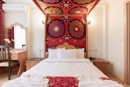 ❤ 4 poster bedroom in the old city❤ - Bed & Breakfast