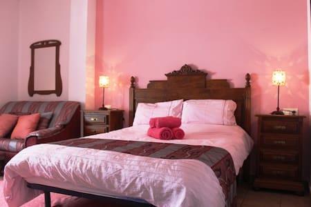 Casa La Ladera Apartment 3 - Bed & Breakfast