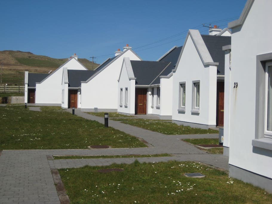 Cottages side-view